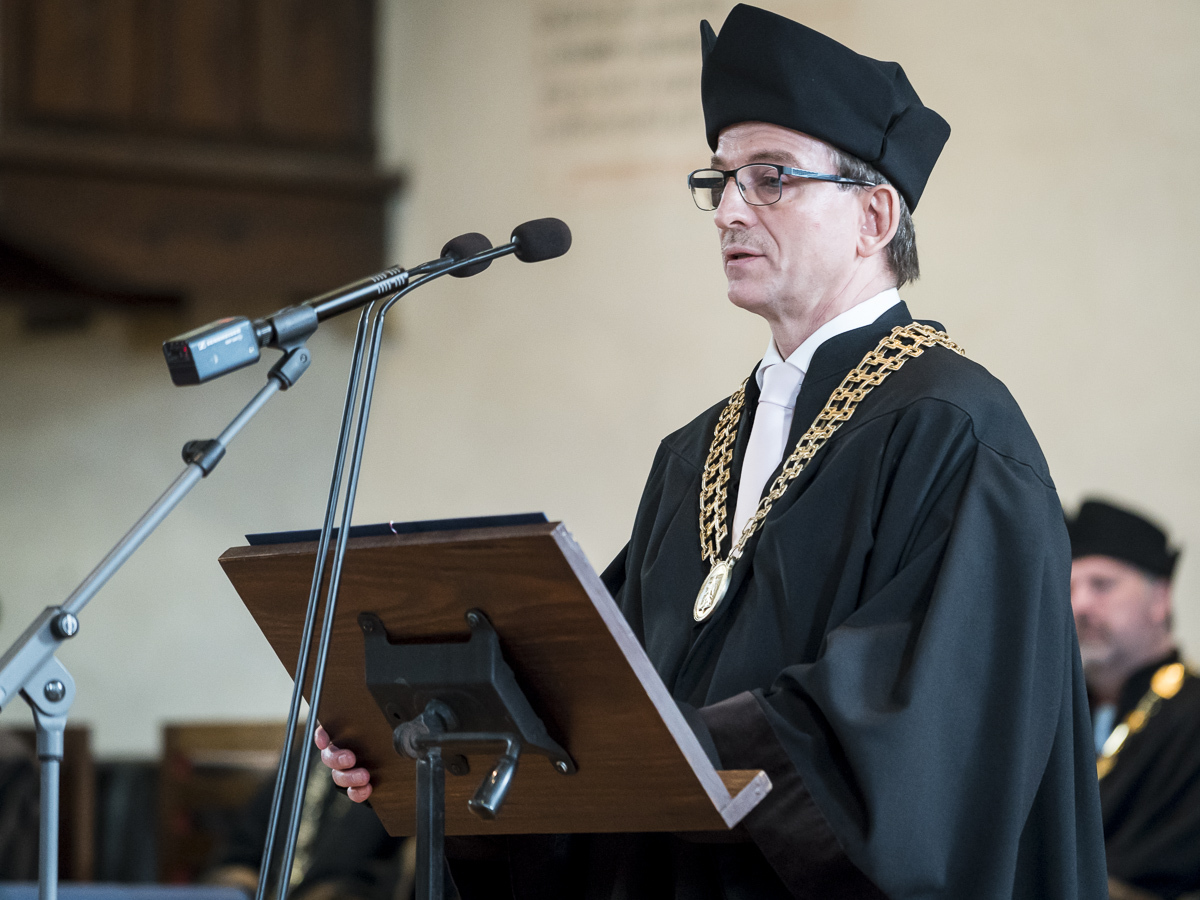 Prof. Steffen Leonhardt receives Honorary Doctorate